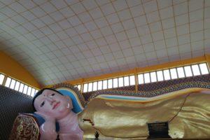 ペナンのタイ寺院の寝釈迦仏