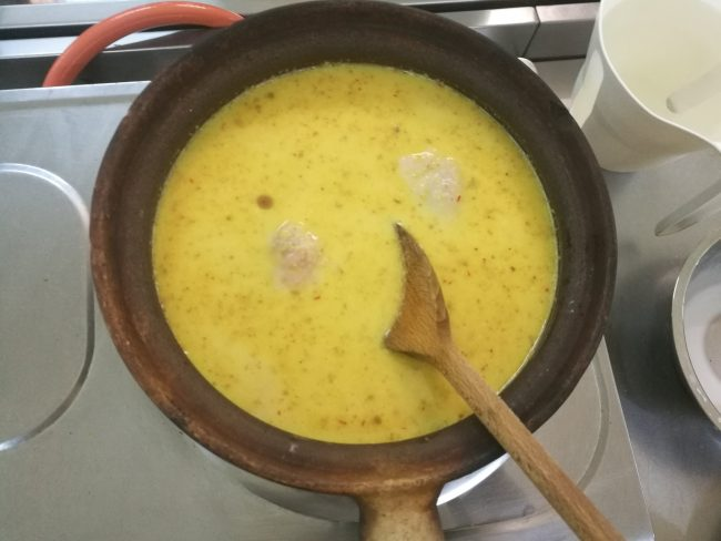ペナントロピカルスパイスガーデンのクッキングクラスのチキンカレー