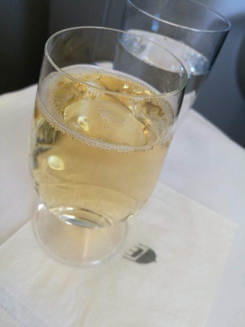 マレーシア航空ビジネスクラスシャンパン