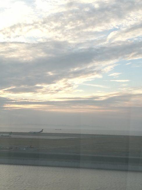 ホテル日航関西空港のビジネスクラスルームから見る風景