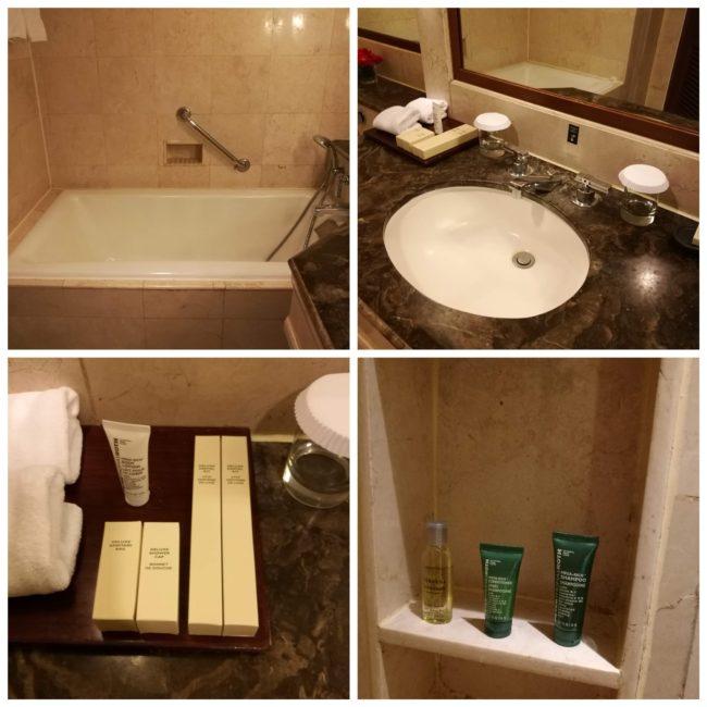 ヒルトンバリリゾートのバスルームとアメニティ