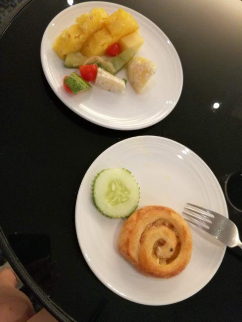クアラルンプール空港ゴールデンラウンジ食事