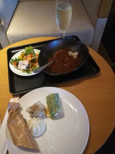 成田空港サクララウンジ食事