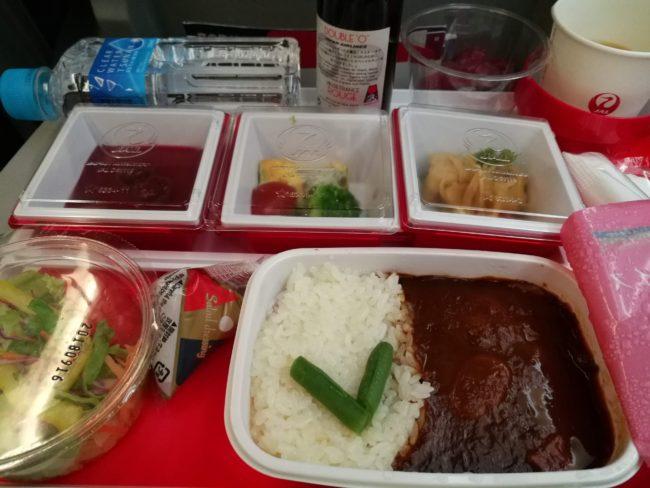 JL707成田ーバンコク行き機内食のハッシュドビーフ