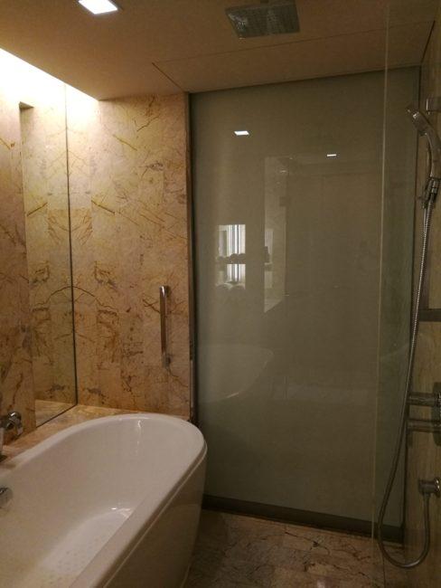 ダブルツリーバイヒルトンスクンビットバンコクゴールド会員アップグレード部屋バスルーム