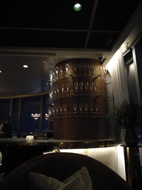 ウォルドーフアストリアバンコク ザ・シャンパン・バー最上階