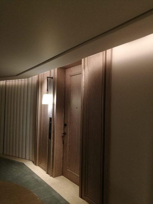 ウォルドーフアストリアバンコクの部屋までの風景