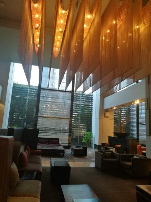 ミレニアム・ヒルトン・バンコク1階ロビー