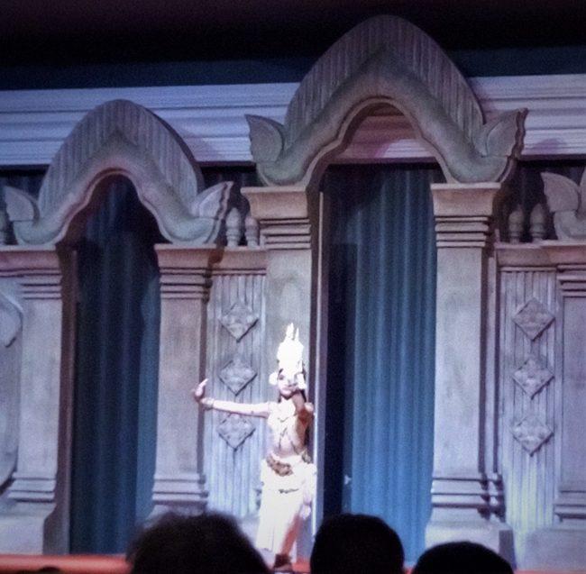 ベルトラカンボジアツアーアプサラスダンスディナーショー