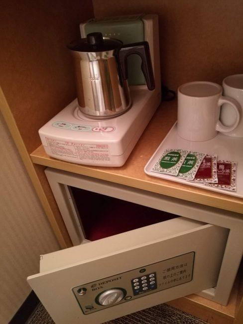 東横イン新都心おもろまち室内のお茶等